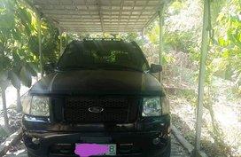 2001 Ford Explorer 4x4 sport trac Black pickup truck