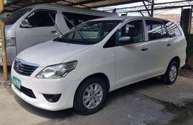 2013 model Toyota Innova E AT Diesel FOR SALE