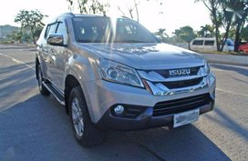 2015 Isuzu MUX 4X2 AT FOR SALE
