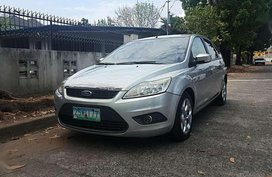 2009 Ford Focus Automatic Gas hatchback