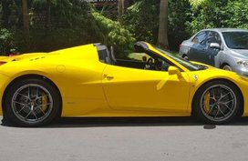 Like new Ferrari 458 Spider for sale