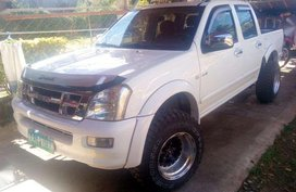 Isuzu D-max 2004 model for sale