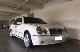For sale Mercedes Benz E240 White 2000