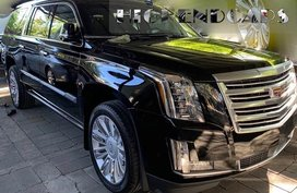 Selling Brand New 2019 Cadillac Escalade Automatic Black