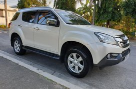 Selling 2nd Hand Isuzu Mu-X 2016 Automatic Diesel at 30000 km