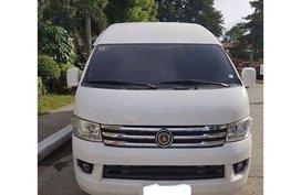 Selling 2nd Hand 2014 Foton View Traveller Van at 50000 km Diesel Manual
