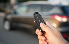 Standard car key vs. keyless entry: Which can better secure your car?