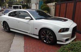 Selling 2nd Hand Sedan White Chevrolet Camaro 2013