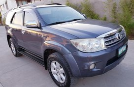 Toyota Fortuner G 4X2 Manual 2010 for sale