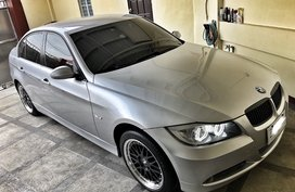 Selling 2nd Hand Sedan Silver Bmw 320I 2005