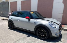 Selling 2nd Hand (Used) 2018 Mini Cooper S Automatic Gasoline in Pasig