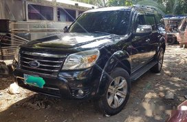 Black Ford Everest 2011 for sale