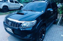 Selling Toyota Fortuner 2012 Automatic Diesel in Davao City