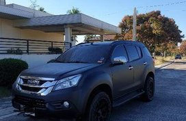 2nd Hand Isuzu Mu-X 2015 Automatic Diesel for sale in Lipa