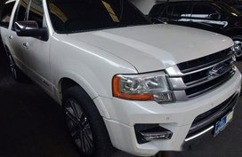 Selling White Ford Expedition 2016