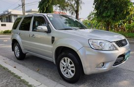 Ford Escape 2010 XLT Automatic for sale