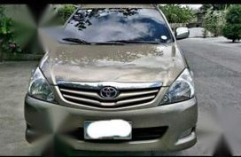 Used Toyota Innova 2011 for sale in Angeles