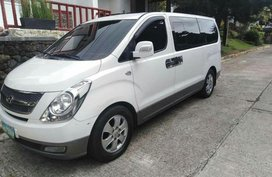 Selling Used Hyundai Grand Starex 2010 in Parañaque