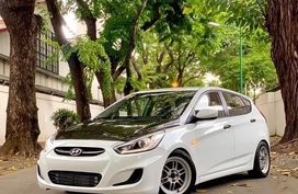 For sale 2016 Hyundai Accent Hatchback in Manila
