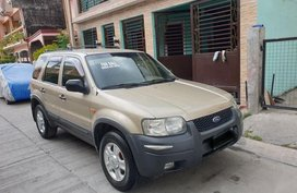 Selling Ford Escape 2004 Automatic Gasoline in Quezon City