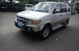 Sell 2nd Hand 2010 Isuzu Crosswind Automatic Diesel at 50000 km in Meycauayan