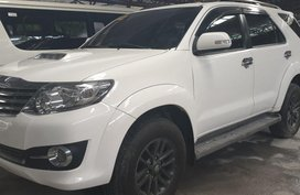Selling White Toyota Fortuner 2016 Manual Diesel at 20000 km in Quezon City