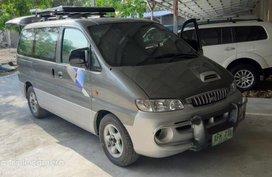 Selling Hyundai Starex 2002 Manual Diesel in Valenzuela
