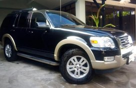 Sell 2nd Hand 2010 Ford Explorer Automatic Gasoline at 70000 km in Quezon City