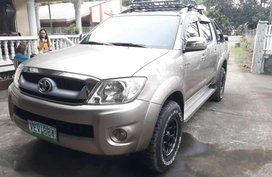 Selling Toyota Hilux 2009 at 90000 km in Taal