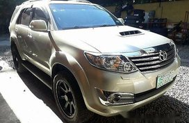 Selling Beige Toyota Fortuner 2013 Automatic Diesel for sale
