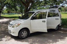 Selling White Toyota Avanza 2007 at 298000 km in Davao City