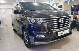 Selling Hyundai Grand Starex 2018 for sale