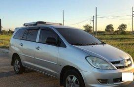 Selling 2nd Hand Toyota Innova 2005 Manual Diesel at 100000 km in Biñan