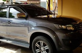 Selling 2nd Hand Toyota Fortuner 2012 Automatic Gasoline at 100000 km in Quezon City