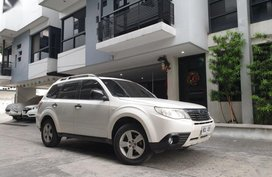 Sell 2nd Hand 2011 Subaru Forester Automatic Gasoline at 52000 km in Marikina