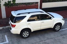 Selling White Toyota Fortuner 2006 Automatic Gasoline in Marikina