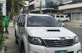 Selling White Toyota Hilux 2013 Automatic Diesel at 55000 km in Cebu City
