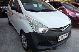 Selling White Hyundai Eon 2014 Manual Gasoline at 16000 km
