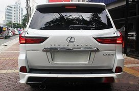 Selling White Lexus Lx 570 2018 for sale in Automatic