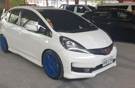 Selling 2nd Hand Honda Jazz 2013 in Quezon City