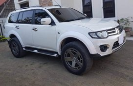 Sell 2nd Hand 2014 Mitsubishi Montero Sport Automatic Diesel at 50000 km in San Antonio