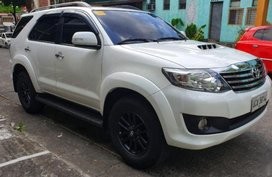 Selling Pearl White Toyota Fortuner 2014 for sale in Manila