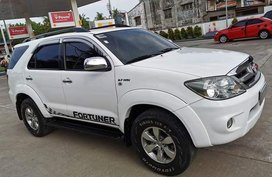 Selling 2nd Hand Toyota Fortuner 2006 Gasoline Automatic