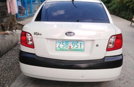 2nd Hand White Kia Rio 2009 Gasoline Manual