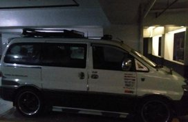 Selling Hyundai Starex 1998 at 100000 km in Manila