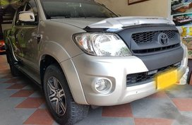 Selling Toyota Hilux 2012 at 110000 km in Quezon City