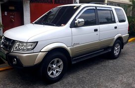 Selling 2nd Hand Isuzu Crosswind 2012 Automatic Diesel at 70000 km in Manila