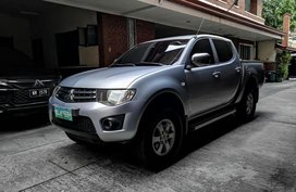 Selling 2nd Hand Mitsubishi Strada 2012 at 110000 km in Makati
