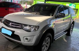 Selling 2nd Hand Mitsubishi Strada 2013 at 102000 km in Muntinlupa