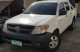 Selling 2nd Hand Toyota Hilux 2007 at 65709 km for sale